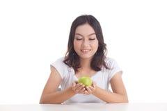 Aziatisch meisje met appel Stock Foto