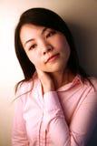 Aziatisch vermoeid meisjesgevoel Stock Afbeeldingen