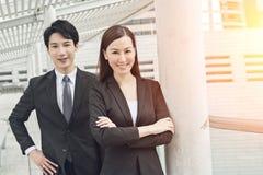 Aziatische bedrijfsman en vrouw stock fotografie