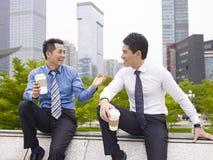 Aziatische Bedrijfsmensen royalty-vrije stock afbeeldingen
