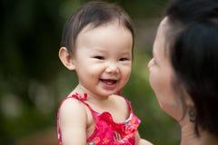 Aziatische Chinese peuter en moeder Royalty-vrije Stock Foto's