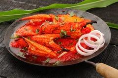 Aziatische cuisine- Heerlijke verse, geroosterde krab met kerriepoeder stock fotografie
