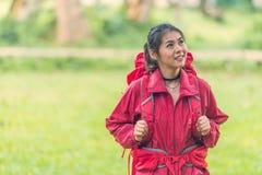 Aziatische dame backpacker Royalty-vrije Stock Afbeeldingen