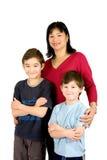 Aziatische dame met haar mooie zoon twee stock foto