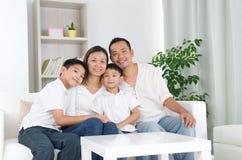Aziatische familie Royalty-vrije Stock Foto's