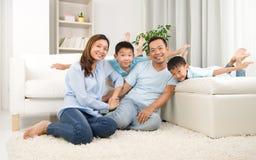 Aziatische familie Royalty-vrije Stock Afbeeldingen