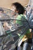 Aziatische jongen die in Notting Heuvel Carnaval danst Royalty-vrije Stock Foto's