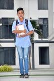 Aziatische Jongensstudent And Happiness Walking royalty-vrije stock foto