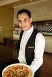 Aziatische kelner Royalty-vrije Stock Afbeeldingen