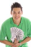 Aziatische kerel die met geld pronken stock afbeelding
