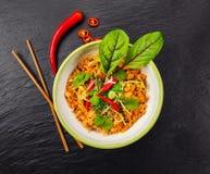 Aziatische kippenkerrie en garnalen met rijst royalty-vrije stock foto's