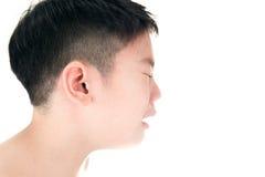 Aziatische leuke droevig en jongen die schreeuwen Royalty-vrije Stock Afbeeldingen