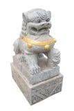 Aziatische marmeren leeuw die in heiligdom, Thailand wordt geïsoleerd Stock Afbeeldingen