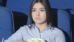 Aziatische meisje verontruste film stock footage
