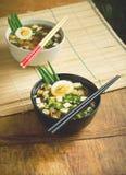 Aziatische miso soep in kommen Stock Foto