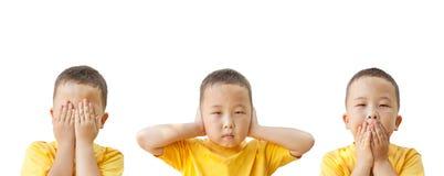 Aziatische oude jongen 6 jaar, geïsoleerd op witte achtergrond Stock Afbeeldingen