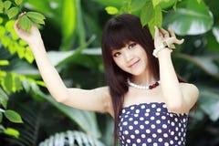 Aziatische schoonheid in de zomer Royalty-vrije Stock Foto's