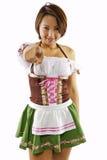 Aziatische Serveerster Oktoberfest Stock Afbeeldingen