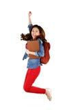 Aziatische student die met vreugde springen Stock Afbeeldingen
