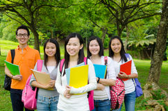 Aziatische Studenten stock foto's