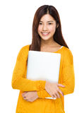 Aziatische vrouw met laptop Stock Foto's