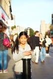 Aziatische vrouwelijke toeristenscène Stock Foto