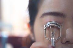 Aziatische vrouwen die omhoog maken royalty-vrije stock foto