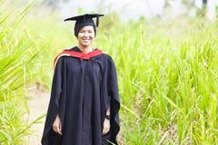 Aziatische vrouwengraduatie Stock Afbeelding