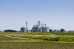 Azienda agricola con i sili Fotografia Stock