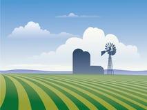 Azienda agricola con il mulino a vento Fotografia Stock Libera da Diritti