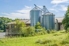 Azienda agricola con il silos Fotografia Stock Libera da Diritti