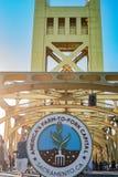 Azienda agricola da biforcarsi logo della cena del ponte della torre Immagine Stock