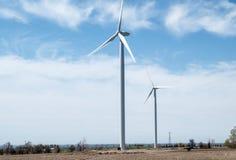 Azienda agricola delle turbine di vento fotografia stock libera da diritti
