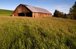 Azienda agricola di Palouse del granaio della costruzione di recinzione dell'attrezzatura Fotografia Stock
