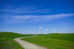 Azienda agricola di vento con cielo blu Fotografia Stock