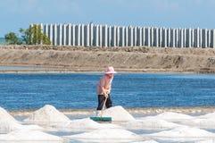 Azienda agricola e cielo blu del sale Immagini Stock