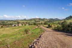 Azienda agricola e montagna Fotografia Stock Libera da Diritti