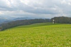 Azienda agricola il giorno nuvoloso Fotografia Stock Libera da Diritti
