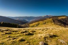 Azienda agricola nelle montagne Fotografia Stock Libera da Diritti