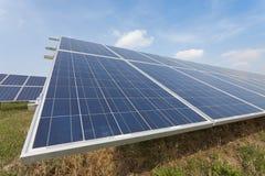 Azienda agricola solare nella campagna Fotografie Stock Libere da Diritti