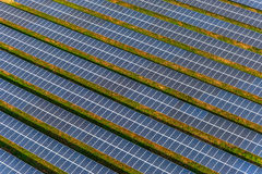 Azienda agricola solare, pannelli solari da aria immagine stock