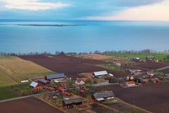 Aziende agricole lungo il lago Vättern Fotografia Stock