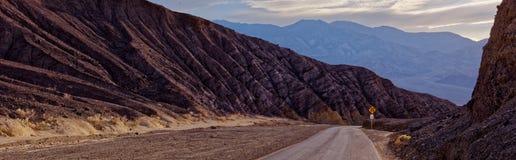 Azionamento Death Valley del ` s dell'artista Immagini Stock Libere da Diritti