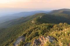 Azionamento dell'orizzonte e parco nazionale di Shenandoah Immagine Stock