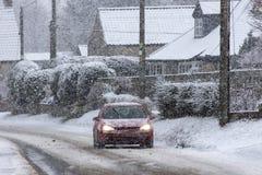 Azionamento di inverno - forte nevicata Fotografie Stock Libere da Diritti
