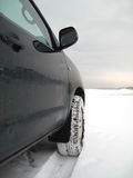 Azionamento di veicolo in inverno Immagini Stock
