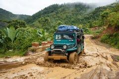 Azionamento estremo attraverso Chin State, Myanmar Immagini Stock