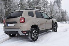 Azionamento fuori strada con Dacia Duster 2018 Fotografie Stock