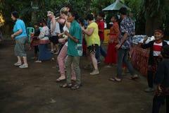Azione dagli orfani di un cacao, di un caffè e di una piantagione della spezia al villaggio di Kalibaru in Java Indonesia orienta Immagine Stock