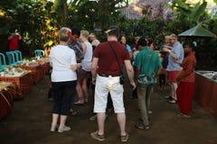 Azione dai giovani orfani di un cacao, di un caffè e di una piantagione della spezia al villaggio di Kalibaru in Java Indonesia o Fotografia Stock